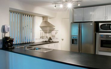 MODERN-KITCHEN-DESIGNS